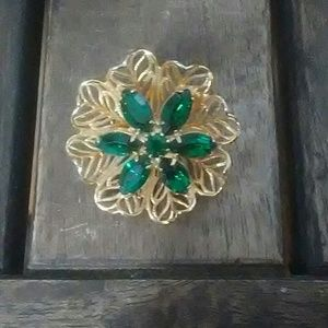 Jewelry - Vtg. Flower Pin Brooch with Green crystals